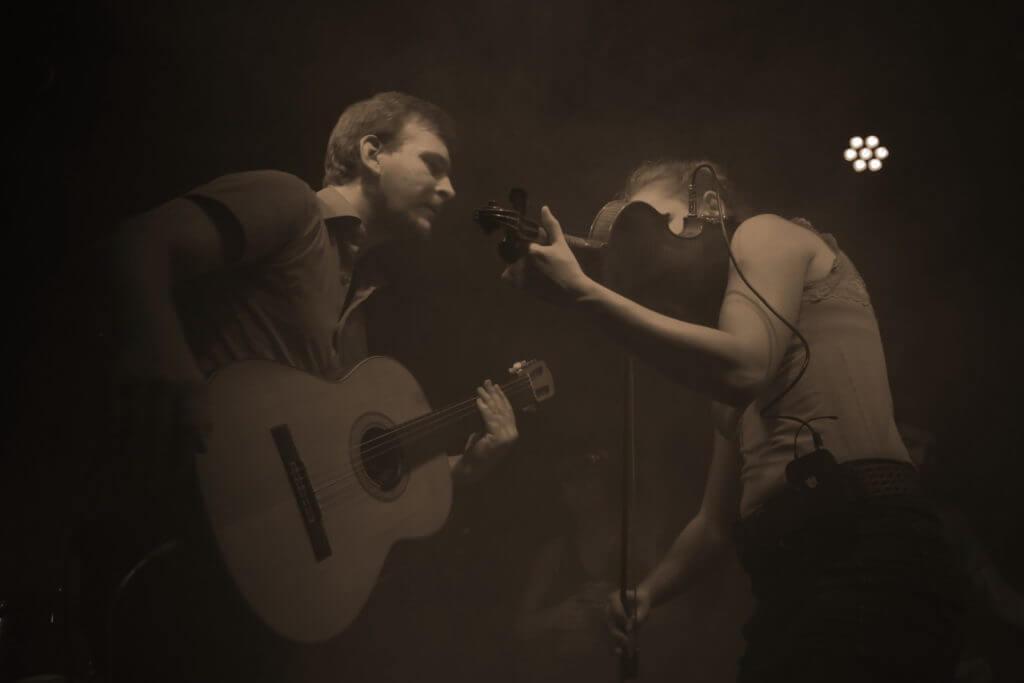 Martin und Thekla Gitarre und Geige Zargenbruch