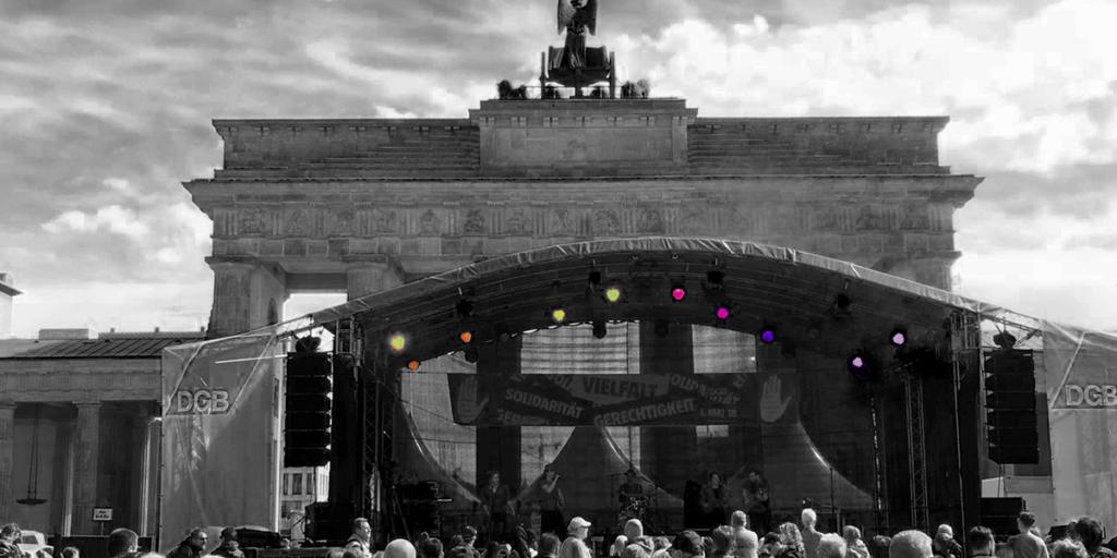 Zargenbruch vor dem Brandenburger Tor