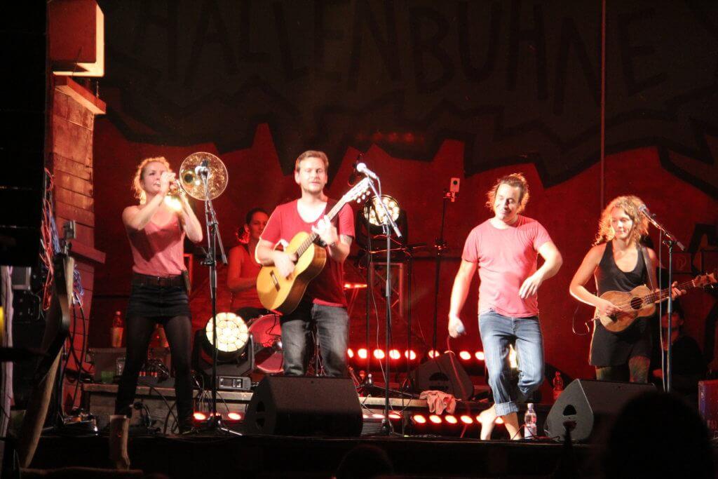 Folklorum - Hallenbühne, alle Zargis
