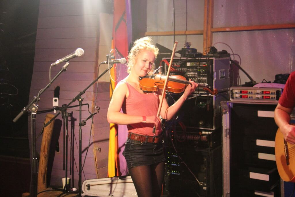 Thekla Apitz an der Geige