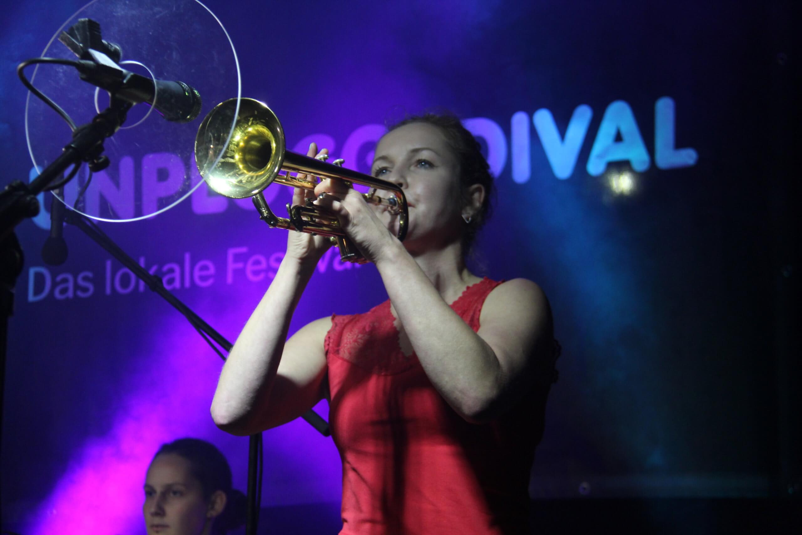 Thekla Apitz an der Trompete